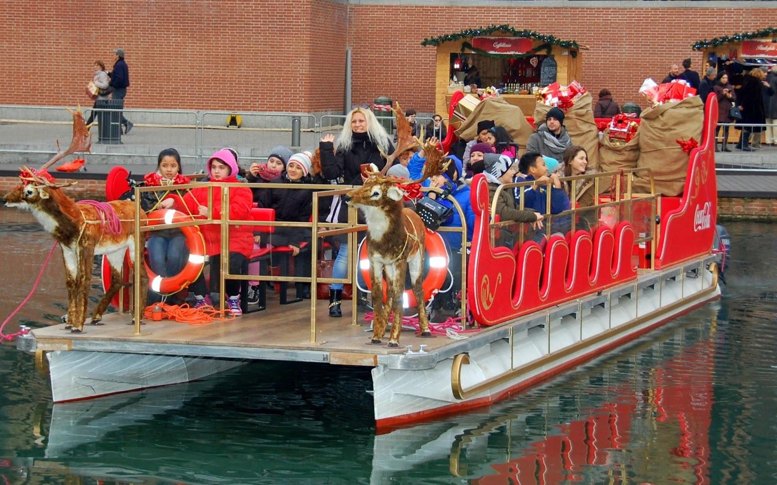 Slitta di Babbo Natale in Darsena a Milano